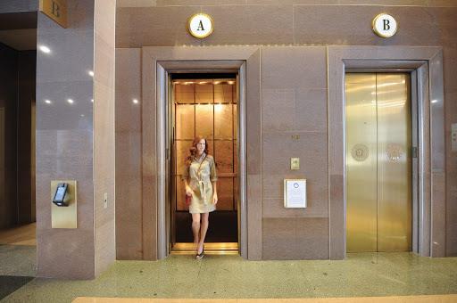 Mơ thấy thang máy